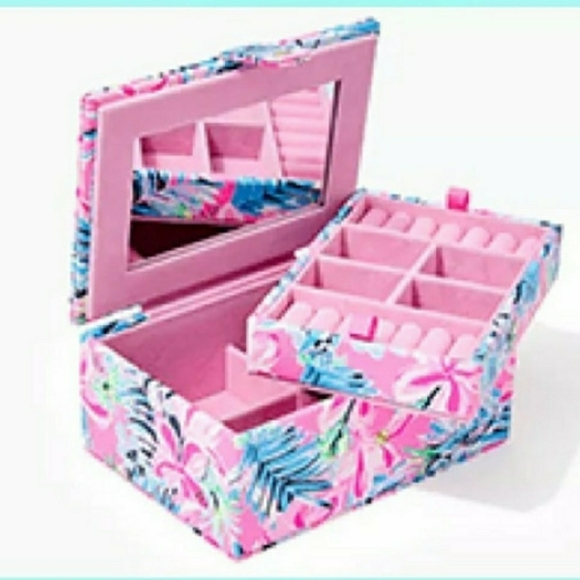 NEW Lilly Pulitzer GWP Jewelry Box